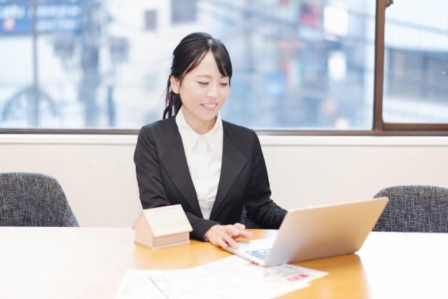 不動産業界が女性派遣社員におすすめの理由